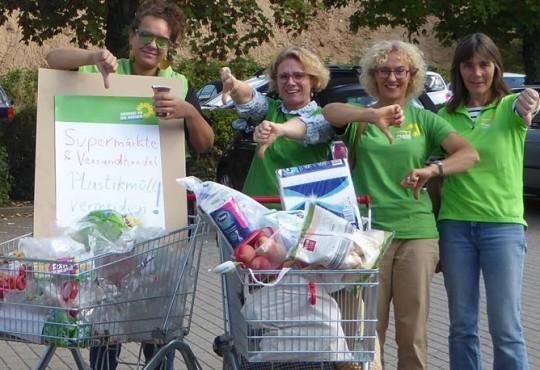 Selina, Yvonne, Heike und Ilka finden: Zuviel Plastik!